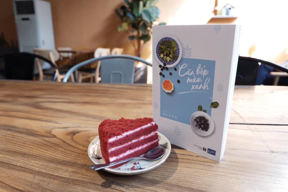 Review sách căn bếp màu xanh